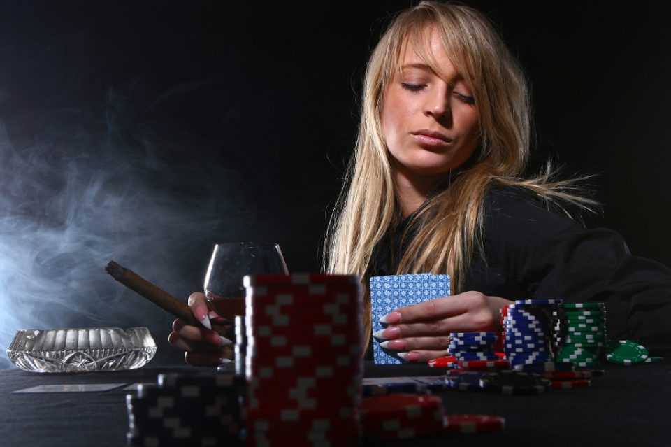Live Dealer Games Is a Great Alternative to Land-based Gambling Houses